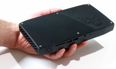 small_intel_skull-canyon-nuc-in-hand